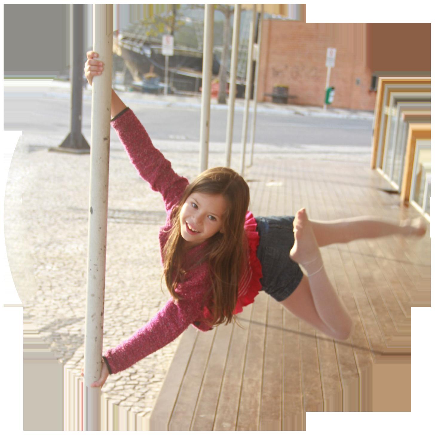 Pole kids - Пол Денс для детей (танец на пилоне для детей)3
